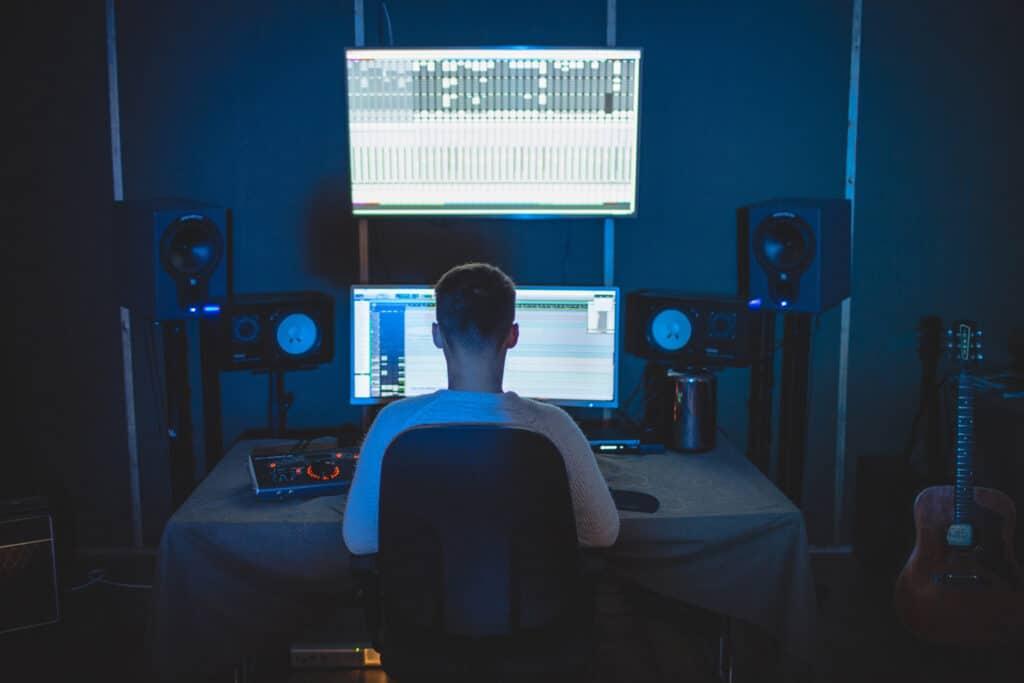 Aprende cual es la tarifa que has de cobrar como productor musical