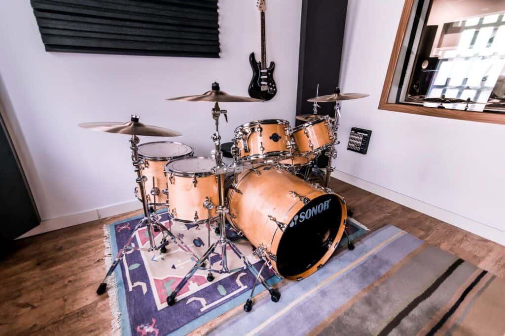 Instruments or backline available at koala studios