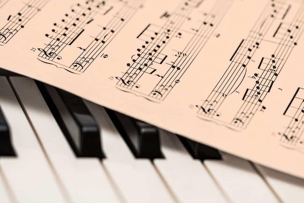 Preproducción composición y arreglos musicales