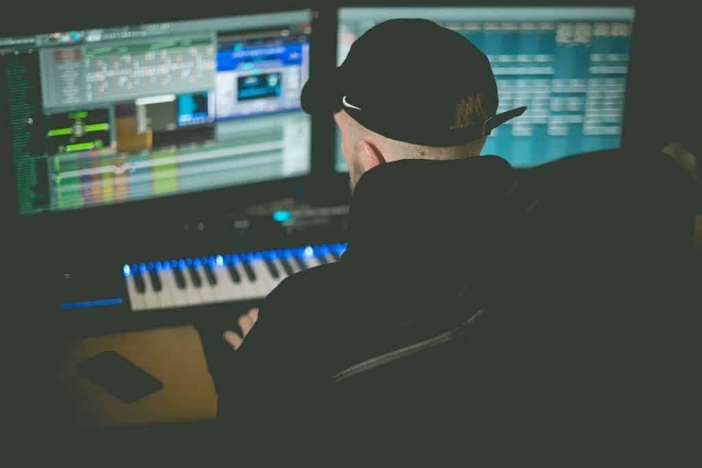 Función del productor musical creativo.